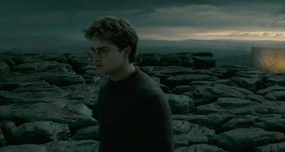 Harry-potter-and-the-deathly-hallows-official-trailer-1